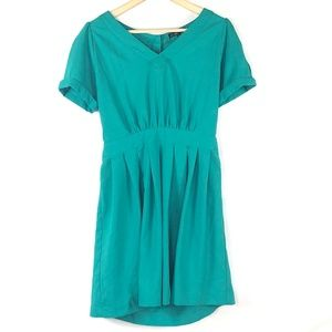 C. Luce Green Short Sleeve V-Neck Pleated Dress L